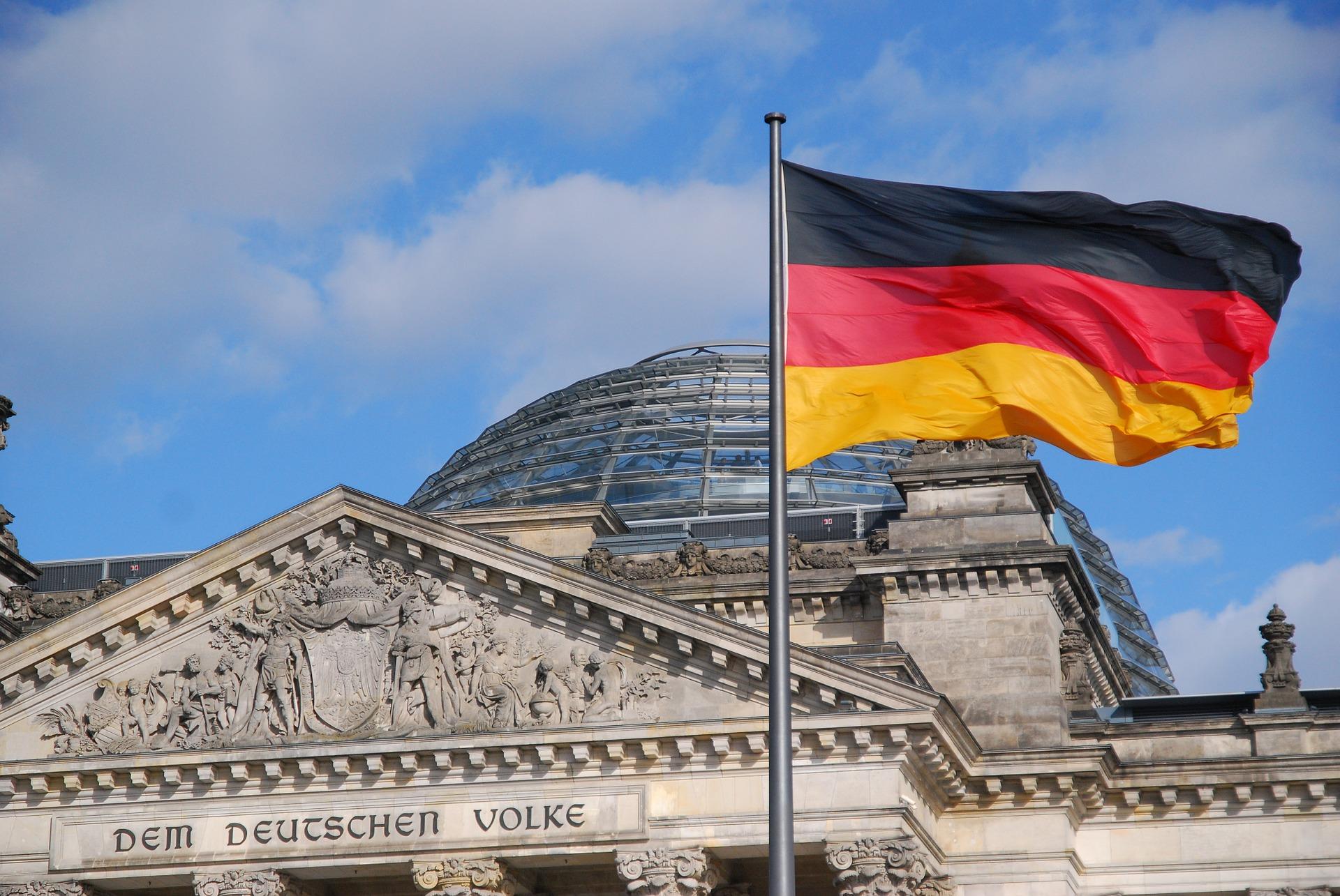 Wysyłka paczek kurierskich do Niemiec, przesyłki kurierskie do Niemiec - zamów kuriera już dzisiaj