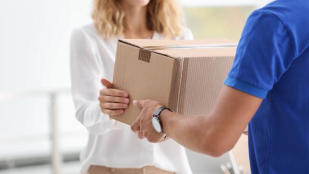 sprawdzanie zawartości przesyłki przed odbiorem